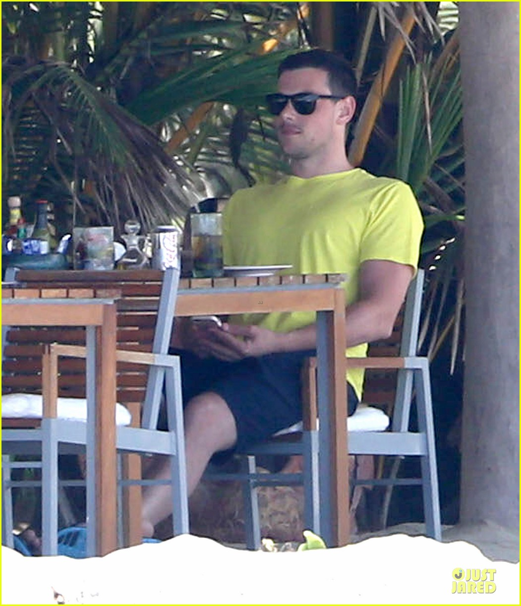 lea michele cory monteith beach lunch in mexico 11