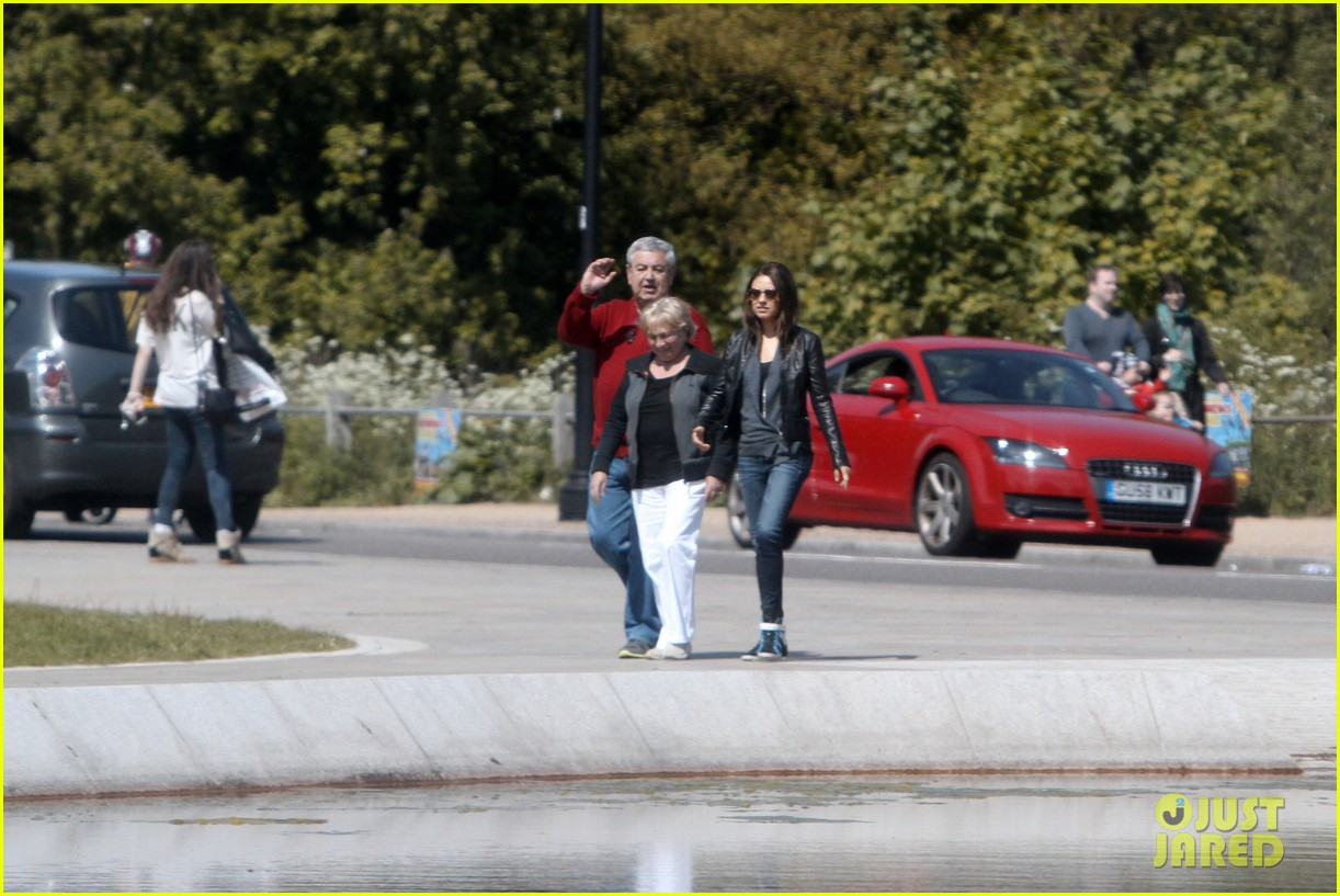 mila kunis takes a london stroll with her parents 232878629