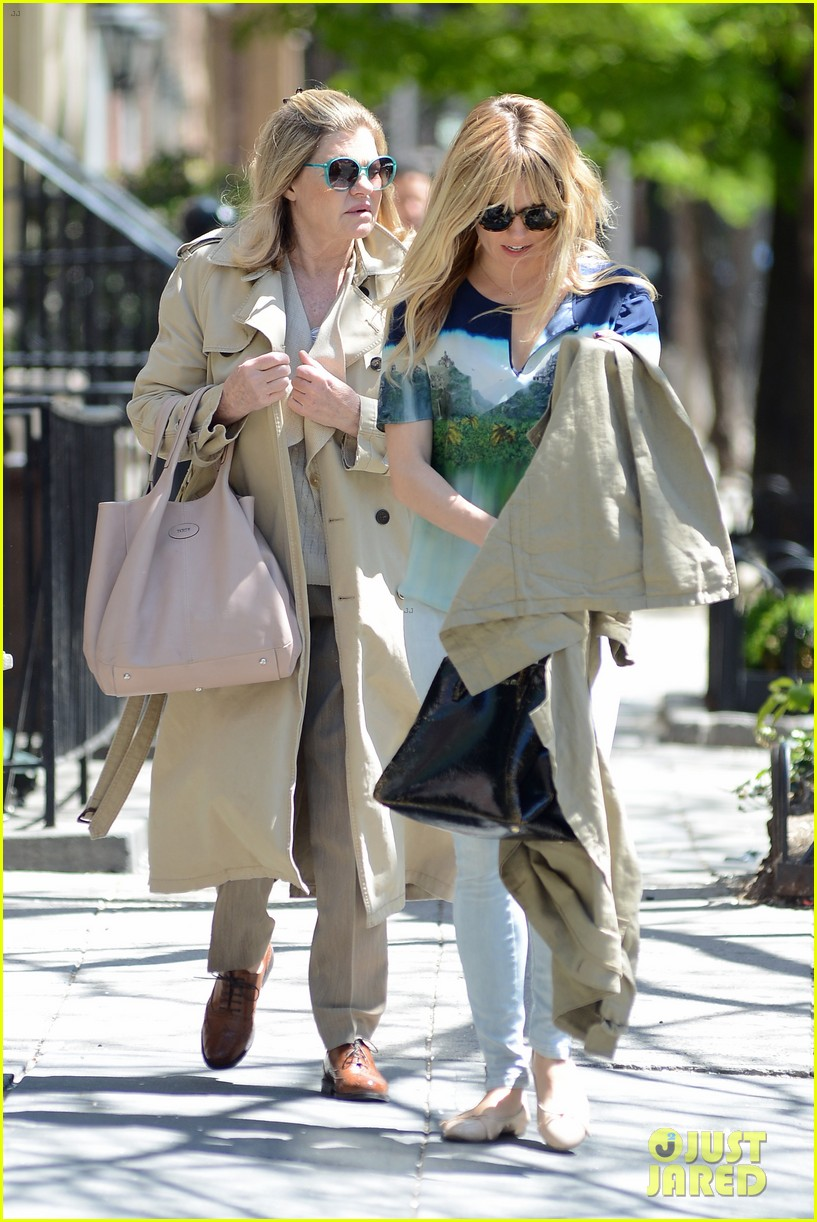 sienna miller lunches with mom tom sturridge is a tony nom 152862157