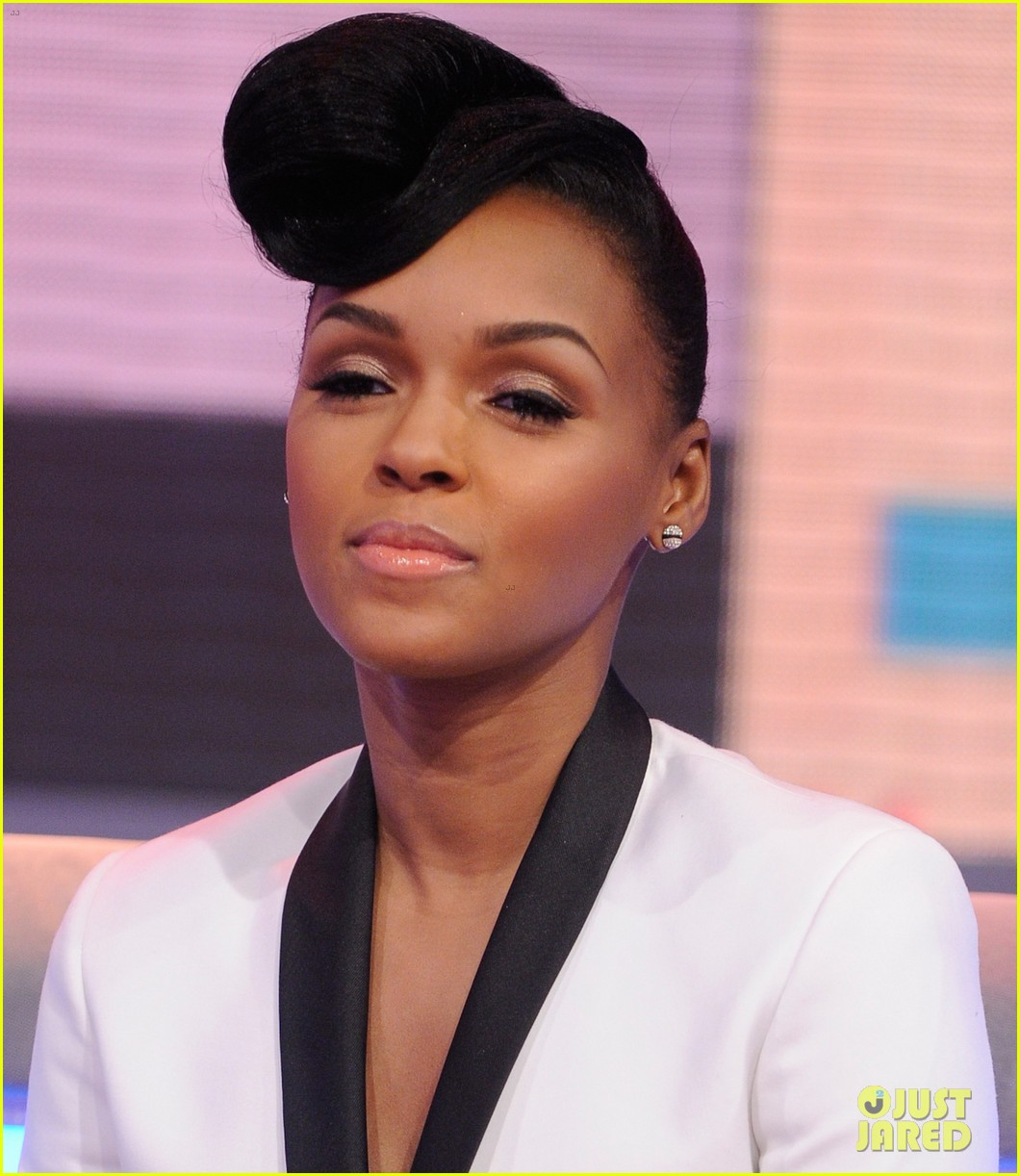 janelle monae q u e e n video premiere watch now 03
