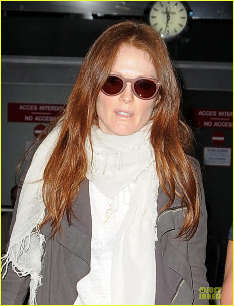 julianne moore the english teacher will screen at cannes film festival 042870347