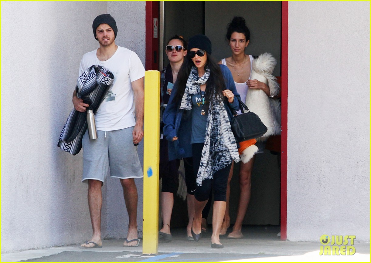 demi moore rumer willis leave yoga class together 062871008