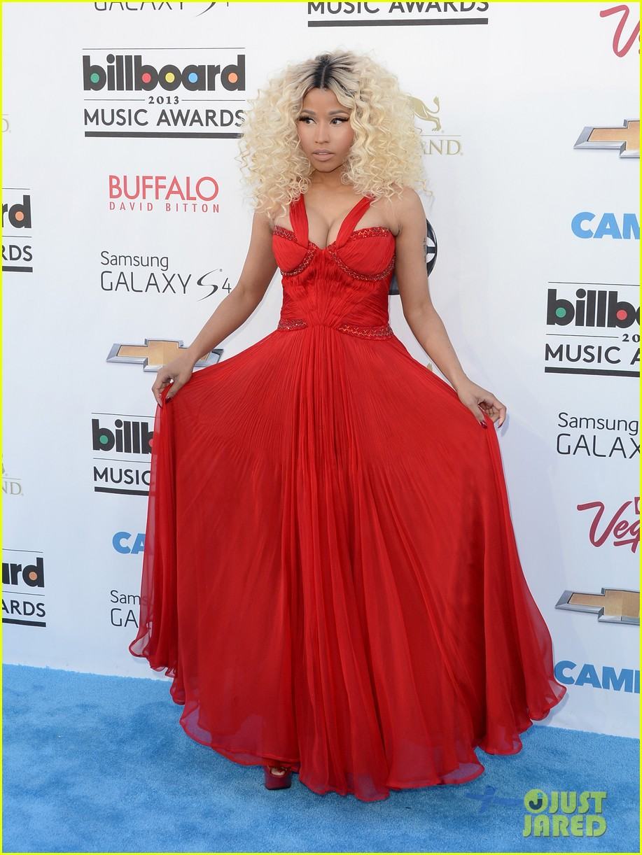 nicki minaj billboard music awards 2013 red carpet 03