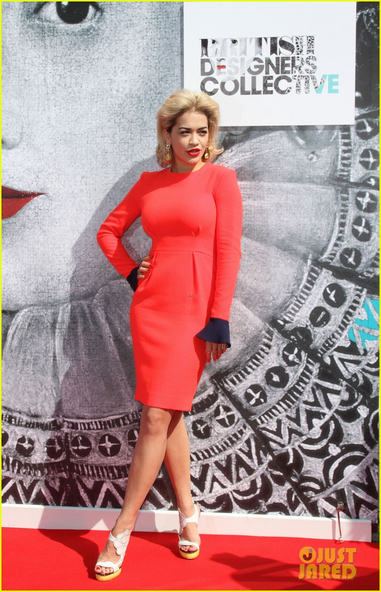 rita ora launches collection hangs with cara delevingne 25