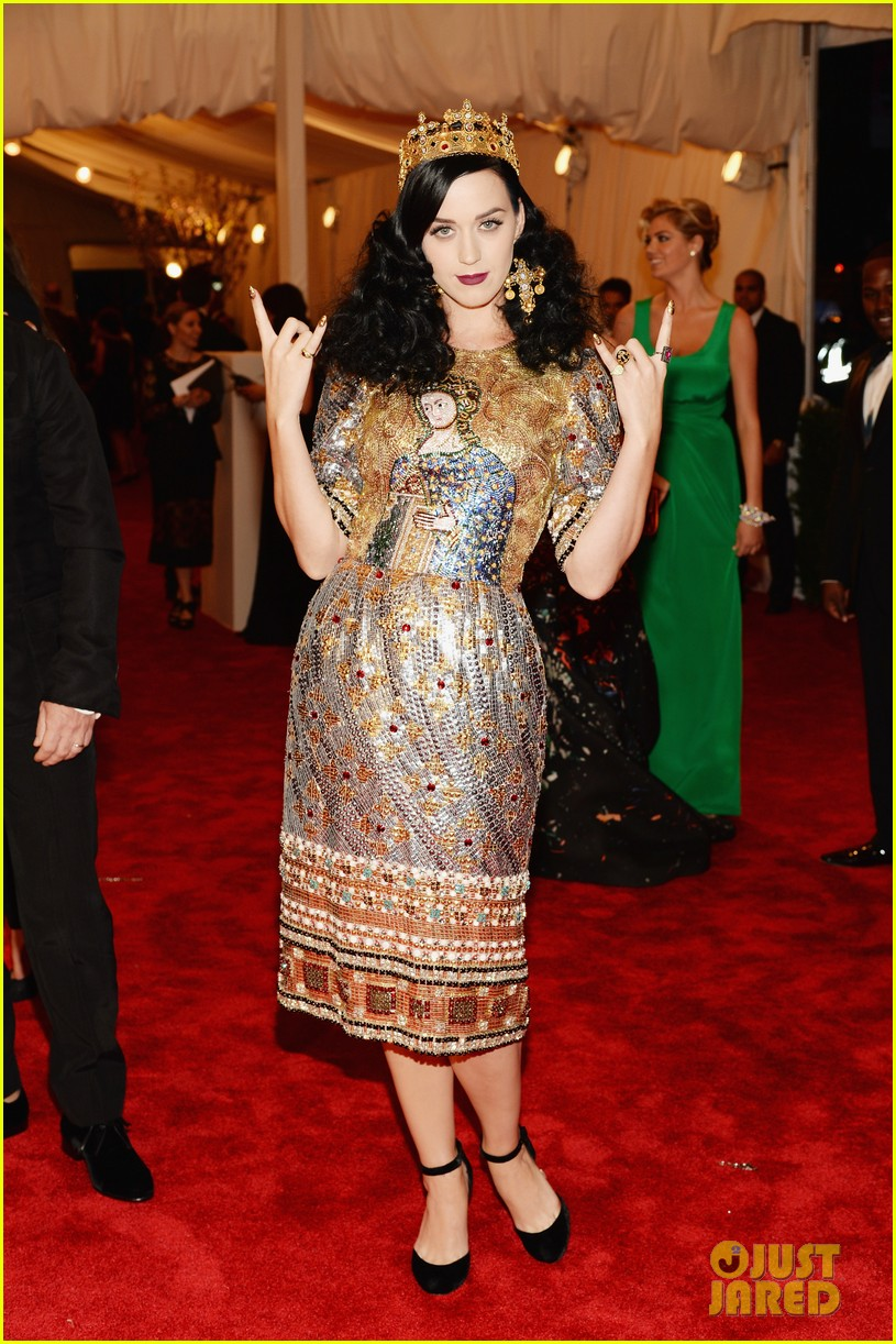 katy perry met ball 2013 red carpet 04