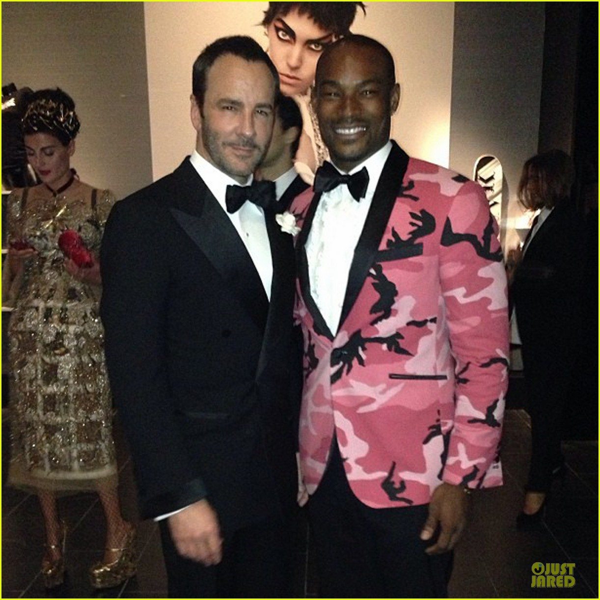 pharrell tyson beckford met ball 2013 red carpet 03
