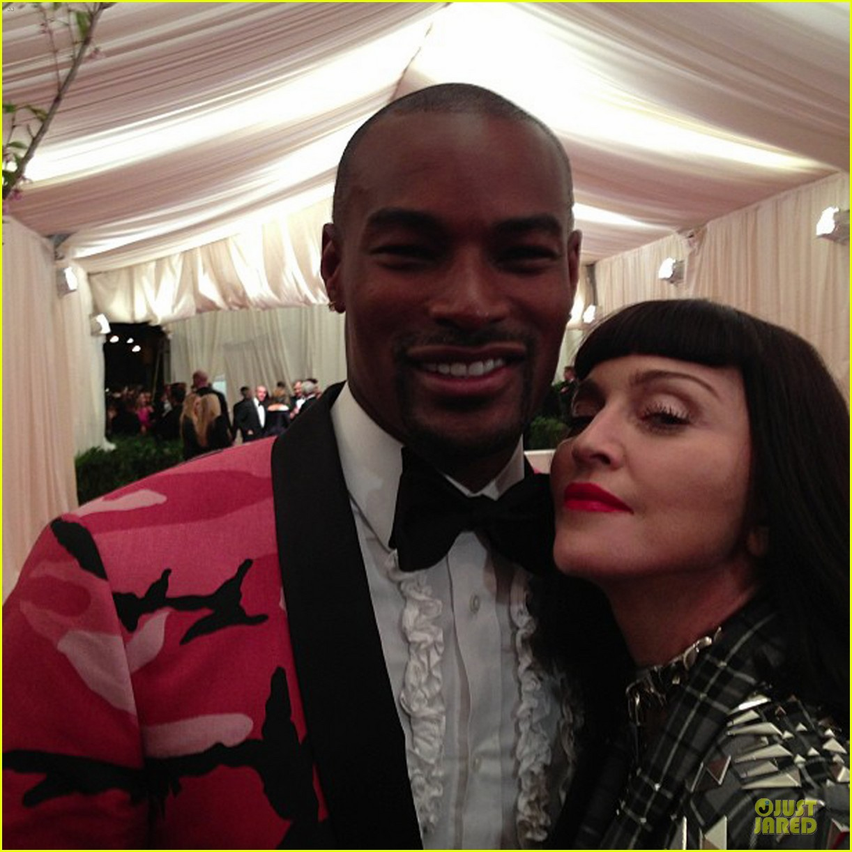 pharrell tyson beckford met ball 2013 red carpet 04