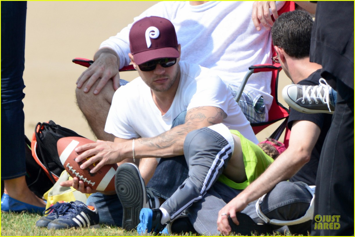 ryan phillippe abs flashing at deacon football game 10