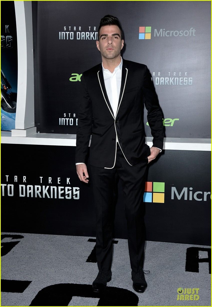 chris pine zachary quinto star trek into darkness premiere 032870452