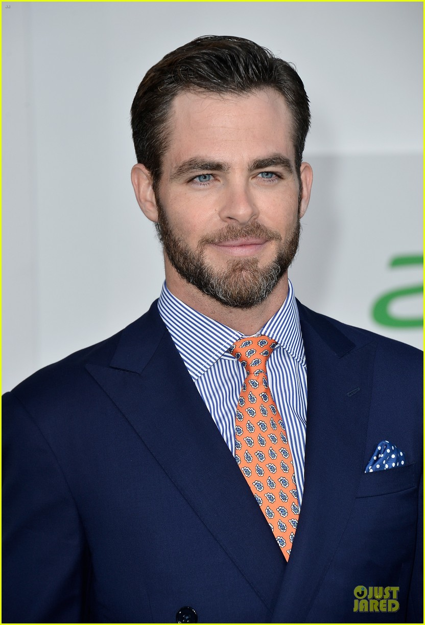 chris pine zachary quinto star trek into darkness premiere 10