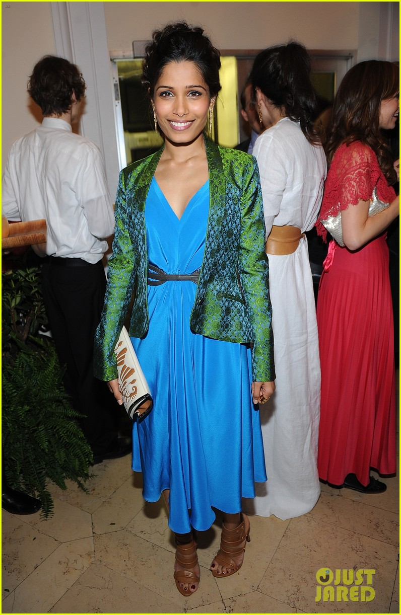freida pinto maiyet varanasi silk capsule collection dinner 01