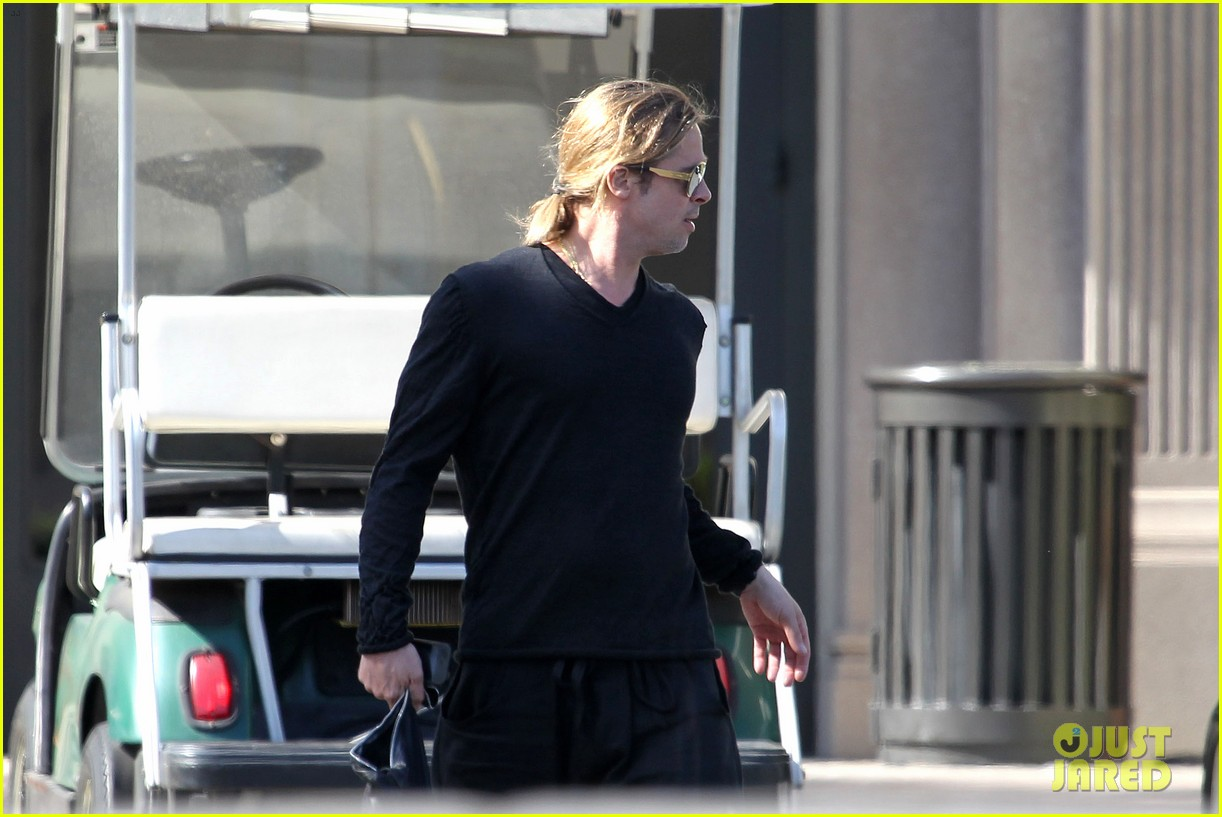 brad pitt steps out after angelina jolie double mastectomy 172871181