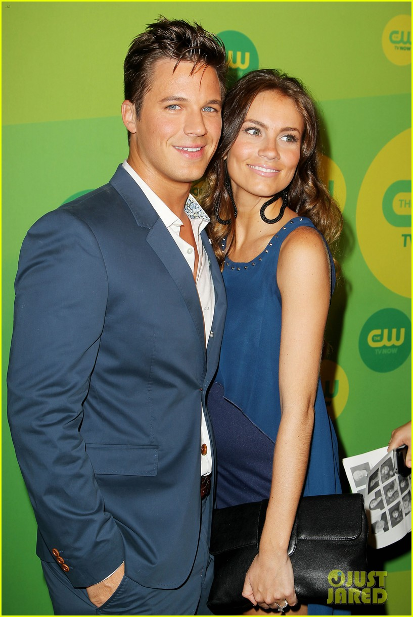 robbie amell matt lanter present new shows at cw upfront 202871869