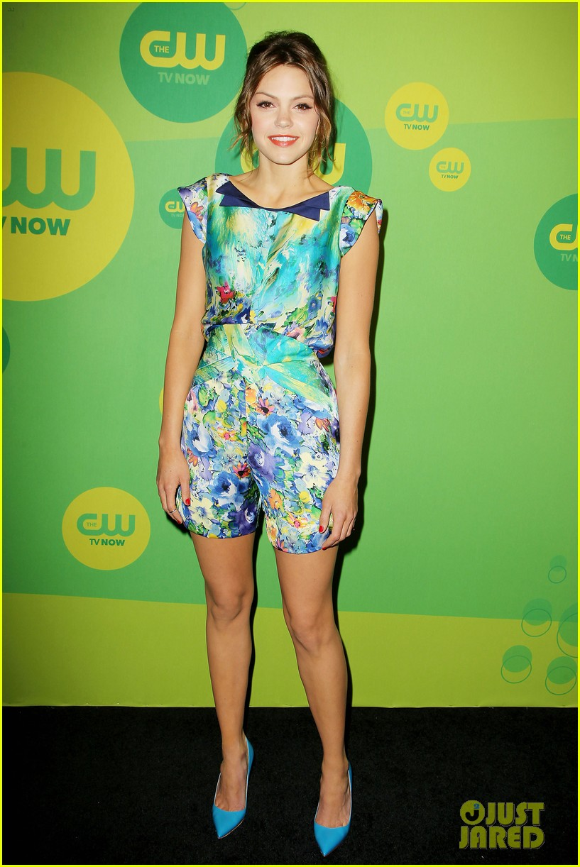 robbie amell matt lanter present new shows at cw upfront 21
