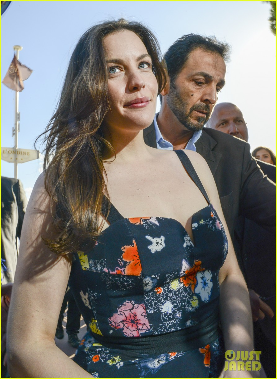 noomi rapace liv tyler cannes film festival photo calls 13