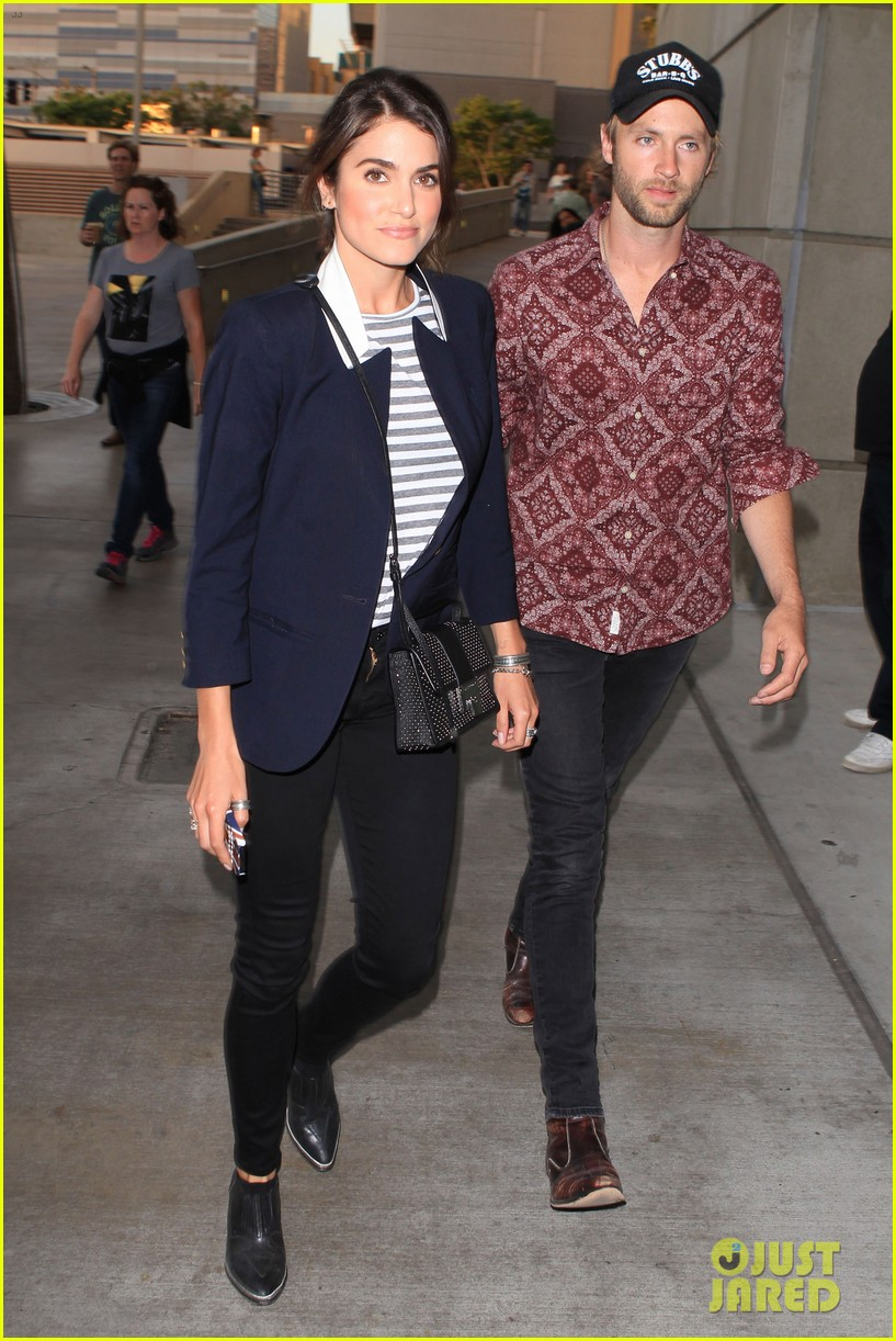 nikki reed paul mcdonald rolling stones concert couple 032864069