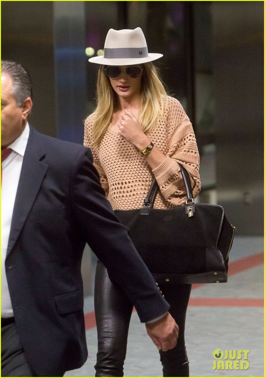 rosie huntington whiteley lax after great photoshoot 042861809