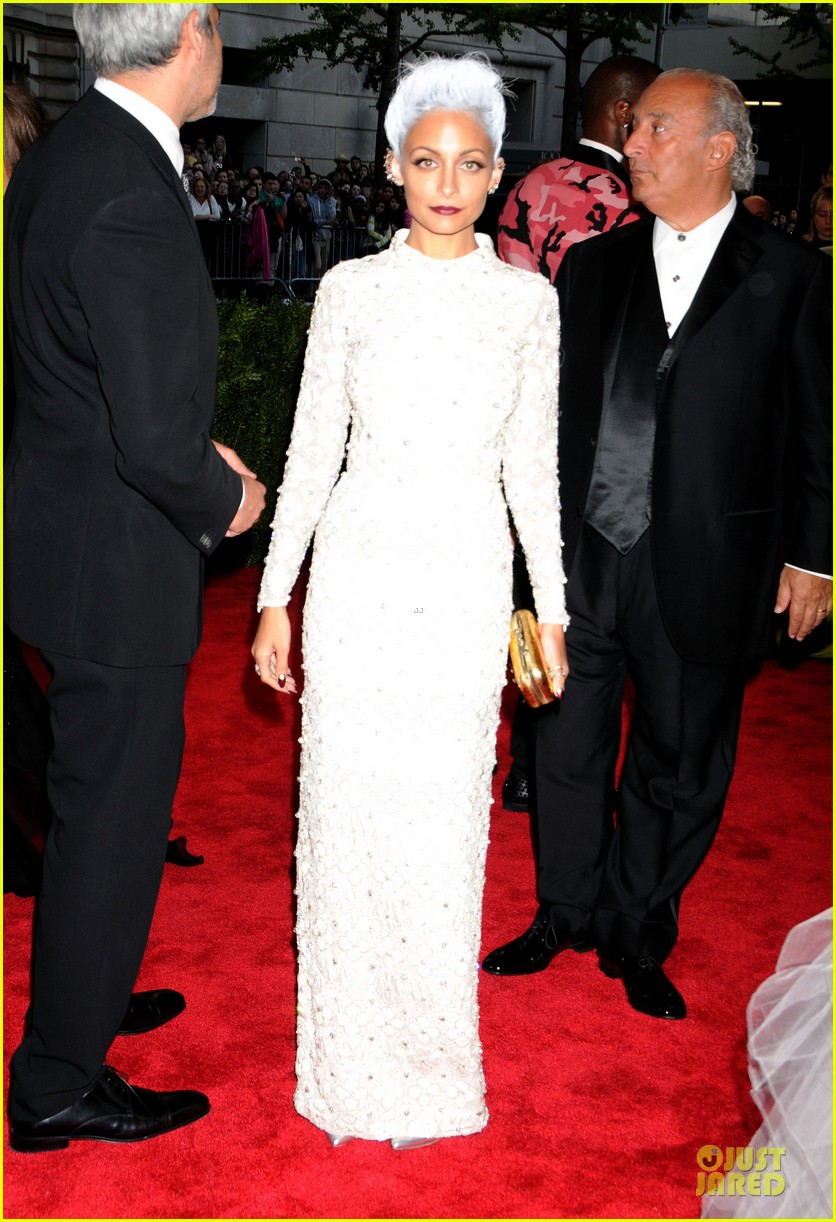 nicole richie met ball 2013 red carpet 01
