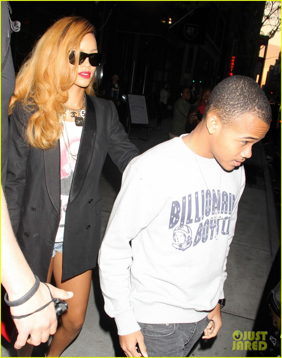 rihanna spends day with favorite guy brother rajad 02