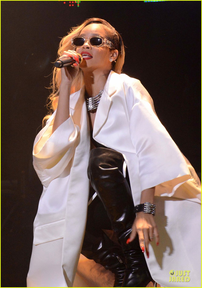 rihanna mawazine music festival performer 082877834