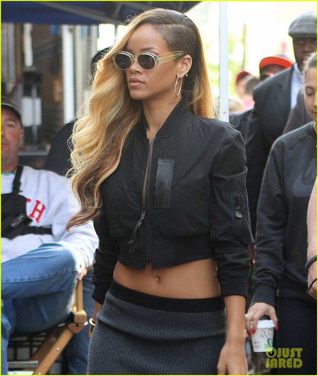 rihanna bares midriff for commercial shoot in nyc 05