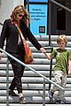 julia roberts natural history museum with son henry 07