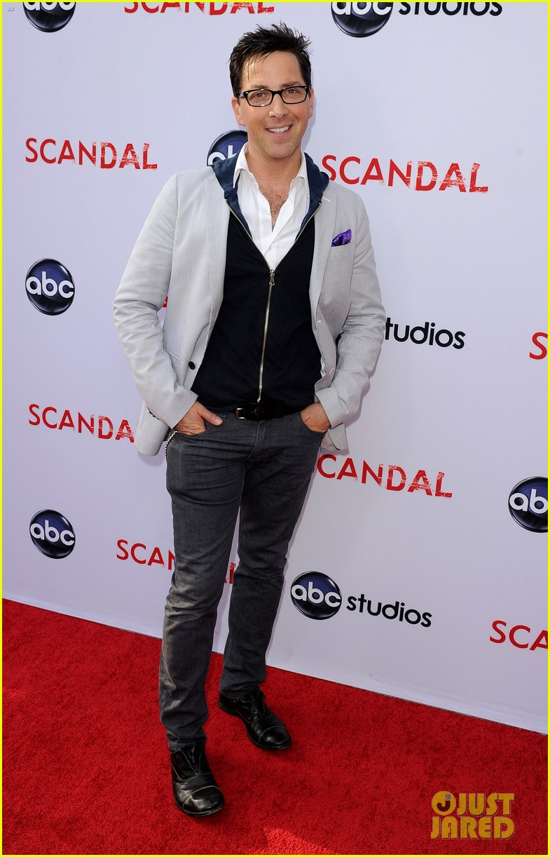 17 and counting scandal cast charlie
