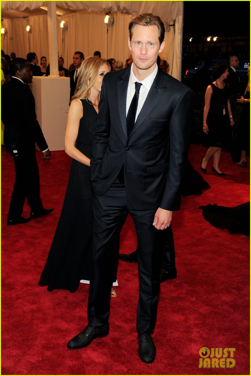 alexander skarsgard met ball 2013 red carpet 052865729