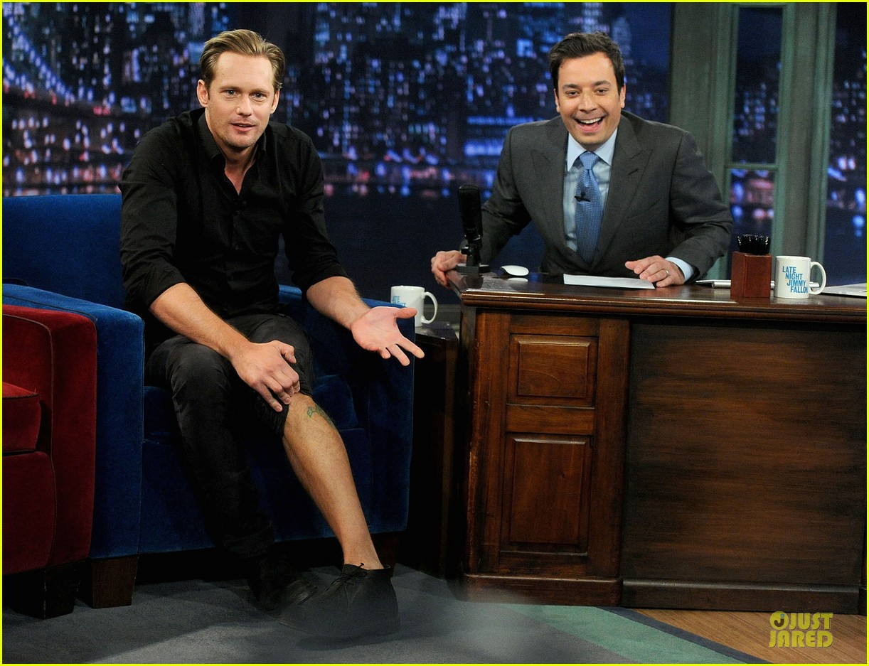 alexander skarsgard leg tattoo on fallon with carey mulligan 08