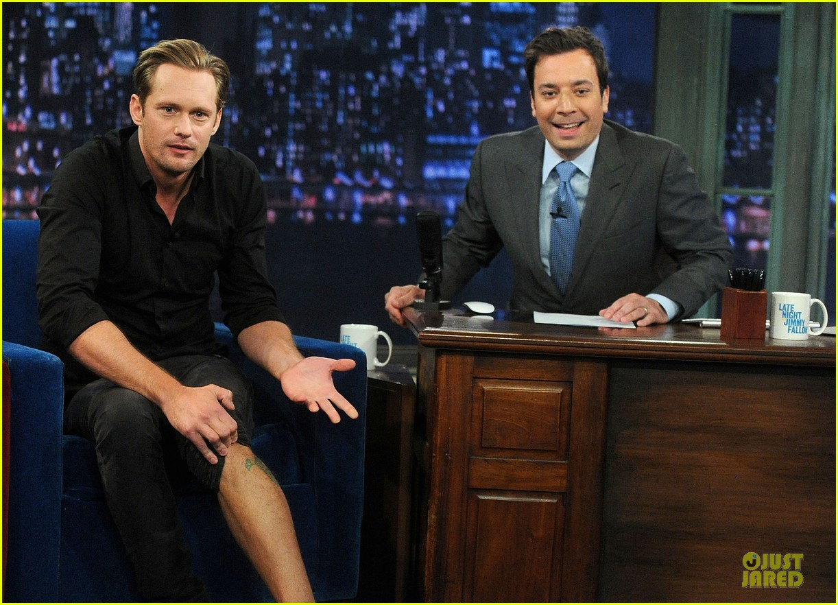 alexander skarsgard leg tattoo on fallon with carey mulligan 09