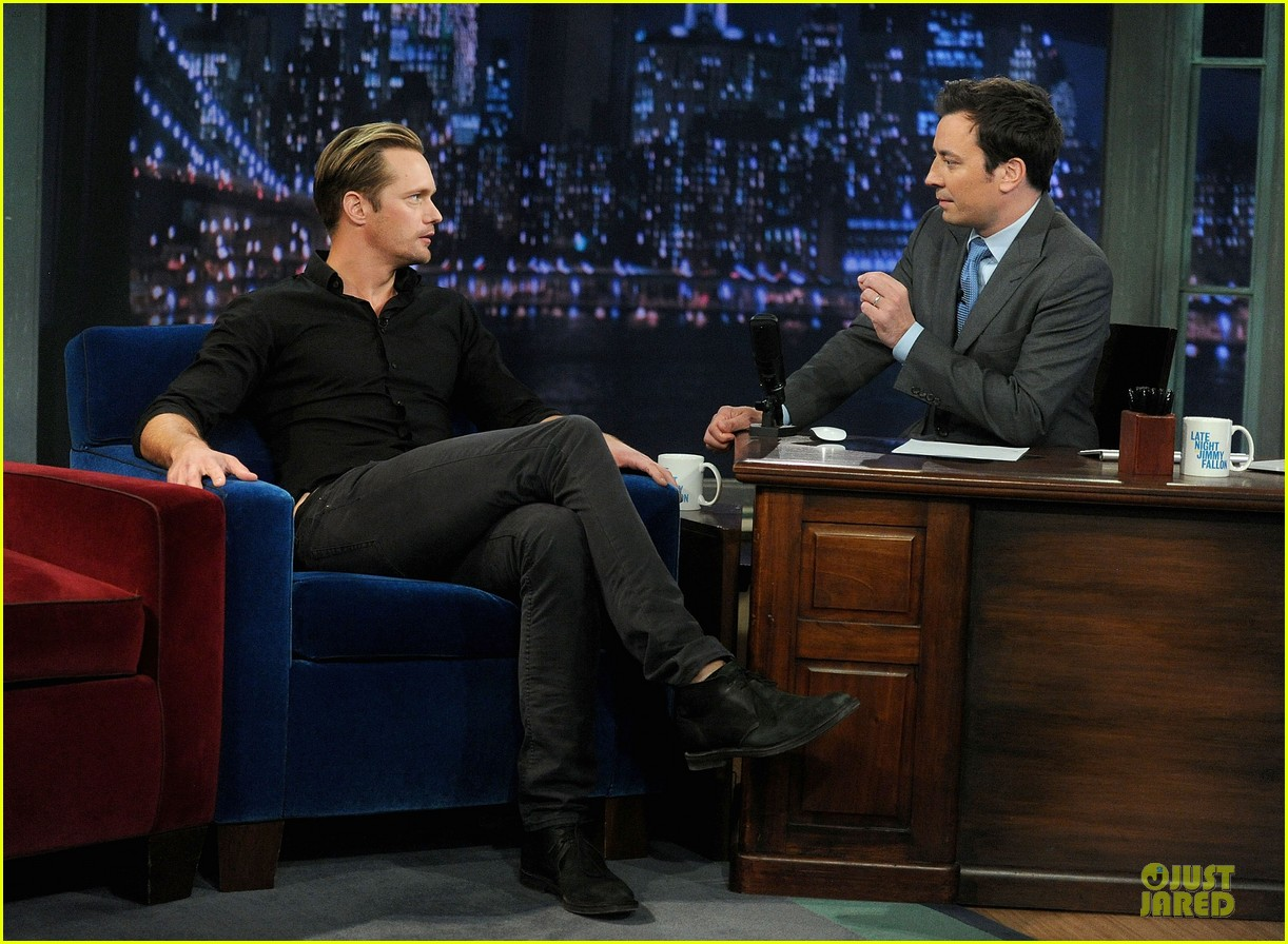 alexander skarsgard leg tattoo on fallon with carey mulligan 212863160