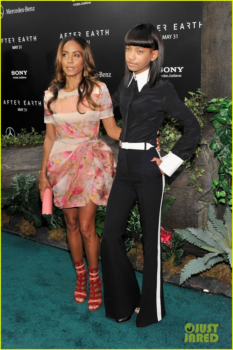 jada will smith after earth premiere with willow jada trey 15