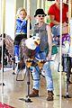 gwen stefani los angeles zoo bonding with zuma 29