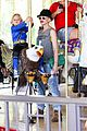 gwen stefani los angeles zoo bonding with zuma 43
