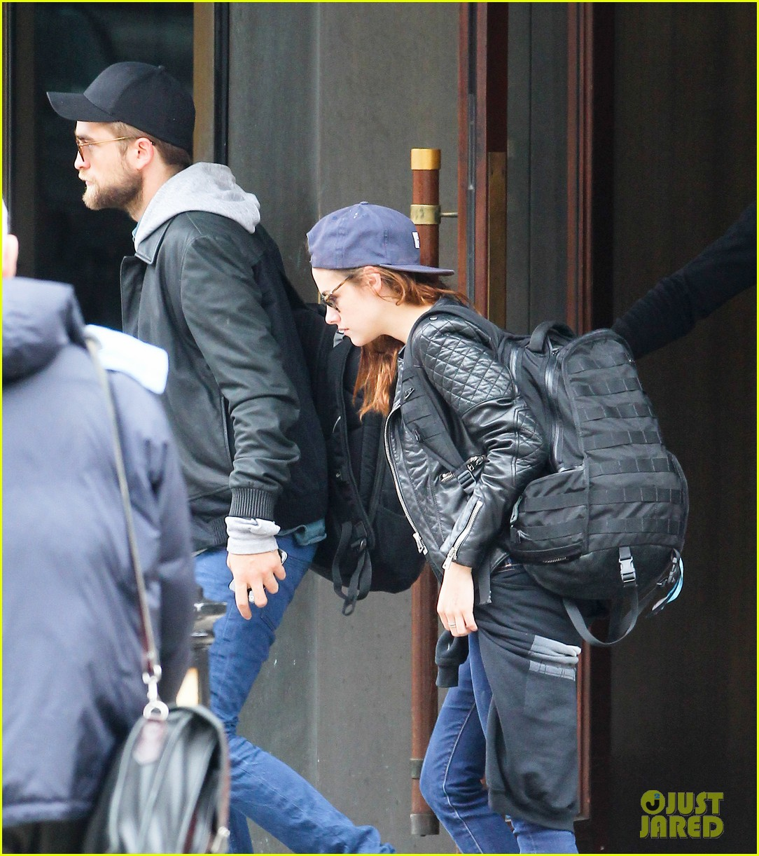 kristen stewart robert pattinson spotted together in nyc 022868158