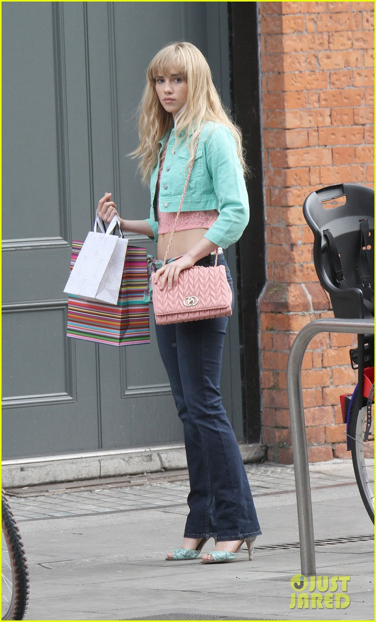 suki waterhouse lily collins film love rosie in dublin 01