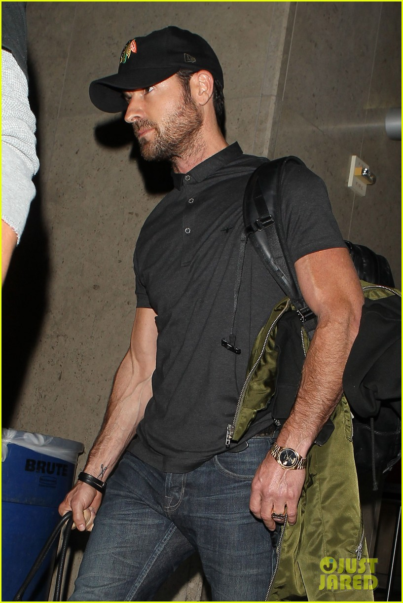 justin theroux from new york to lax 02