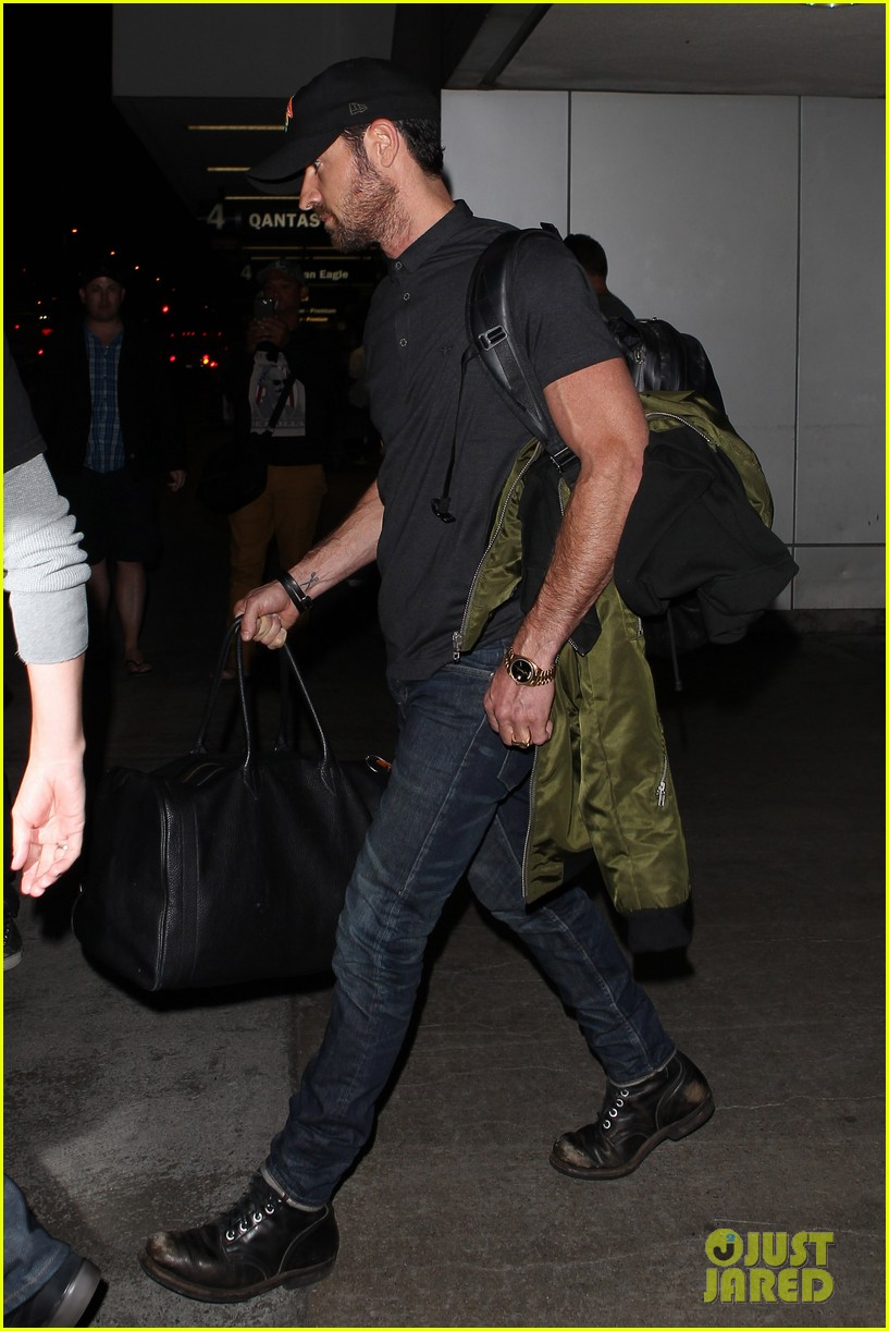 justin theroux from new york to lax 09