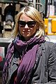 naomi watts big apple cab hailing 04