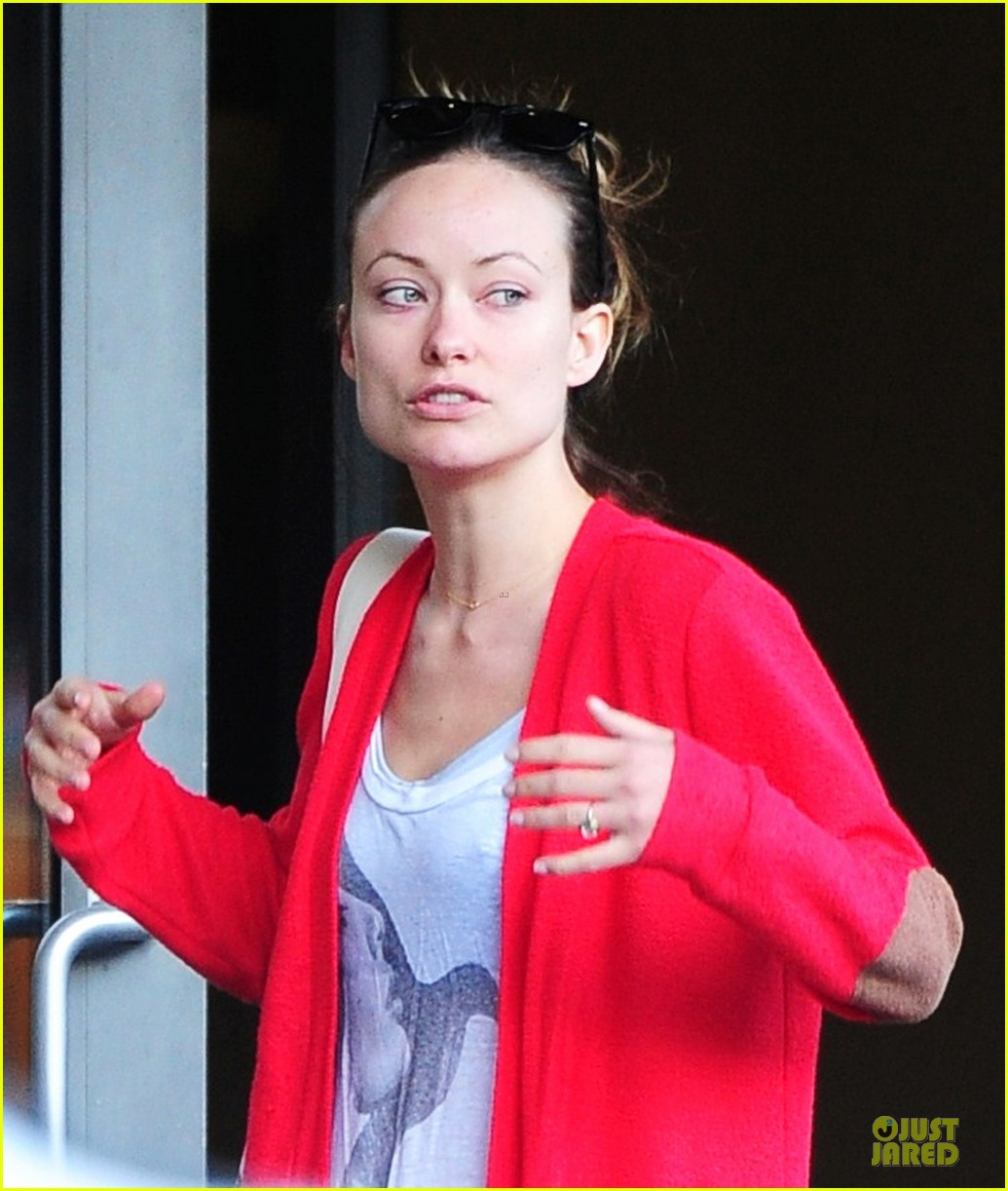 olivia wilde come hang out with emma stone 092863284