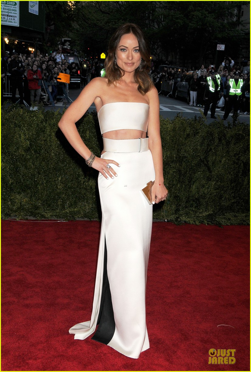 olivia wilde jason sudeikis met ball 2013 red carpet 01