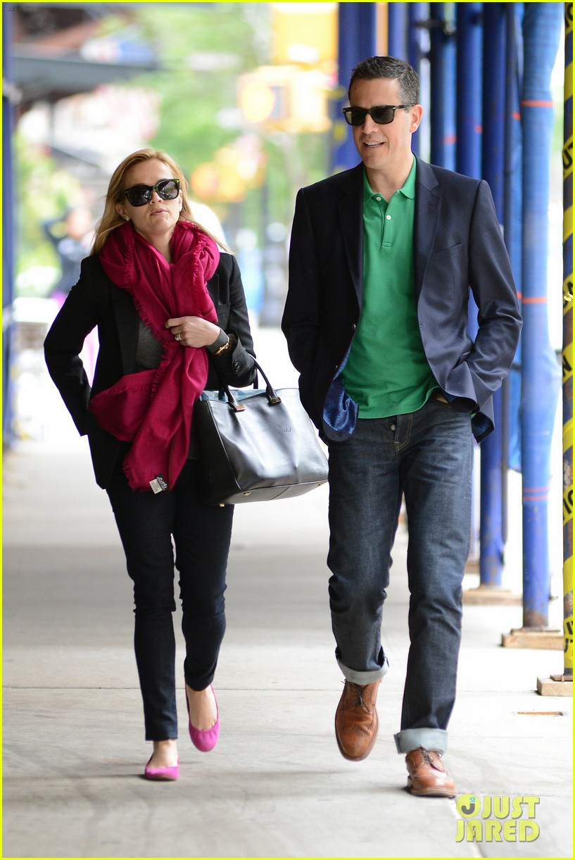 reese witherspoon jim toth breakfast smiles 092871133