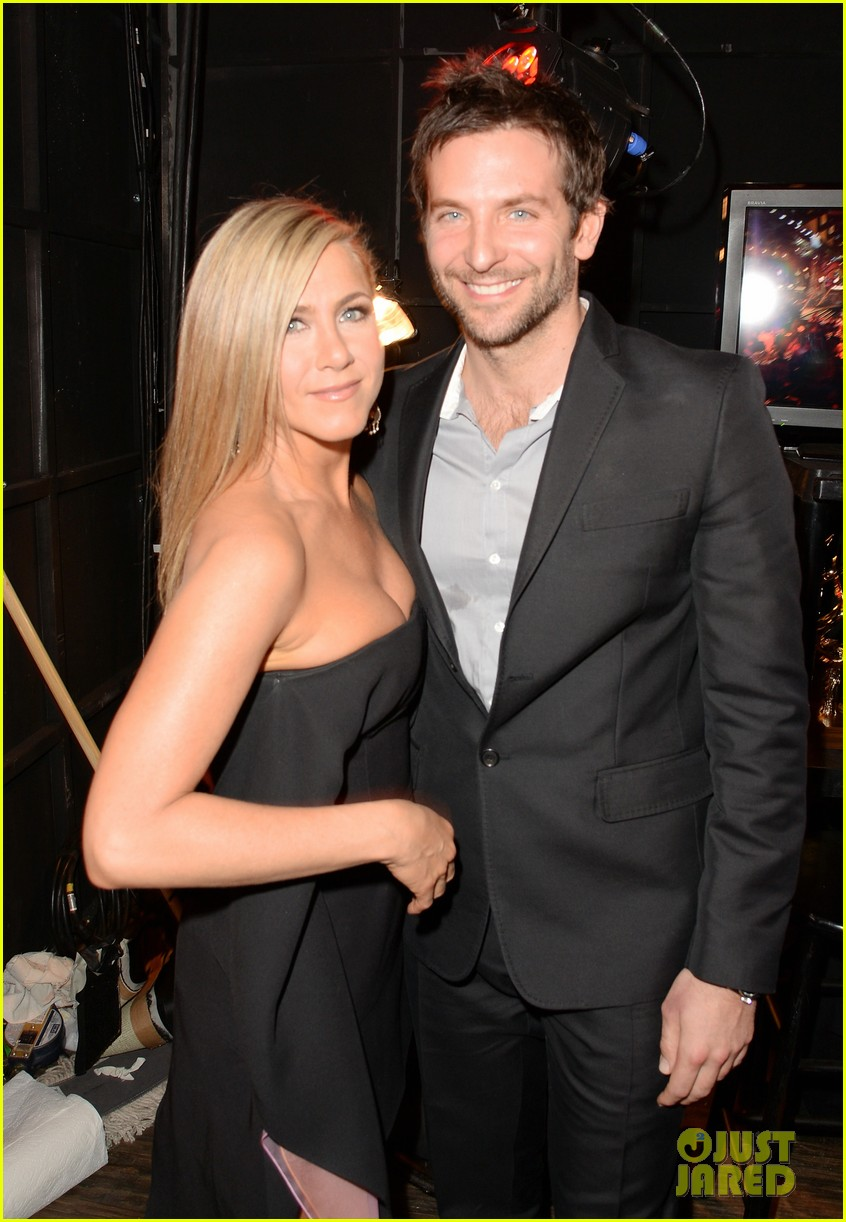 jennifer aniston bradley cooper reunite at guys choice awards 2013 172887272