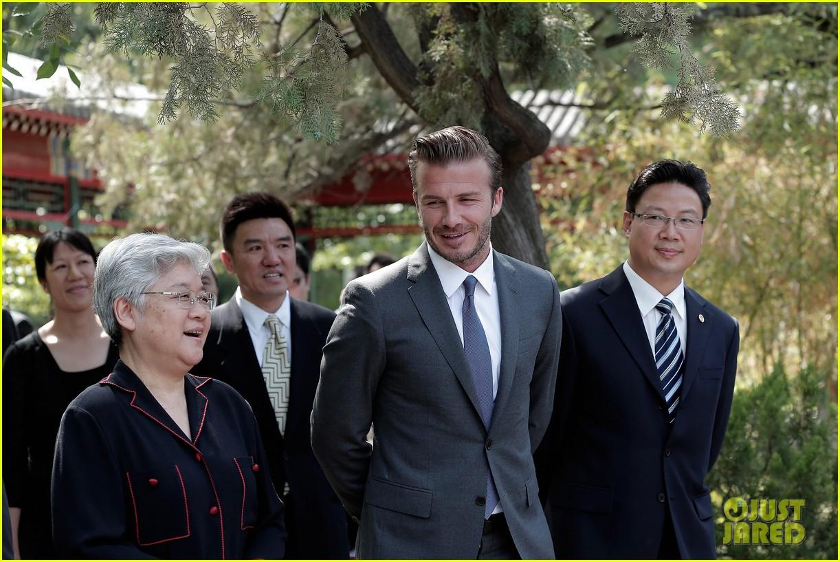 david beckham visits china 092893629