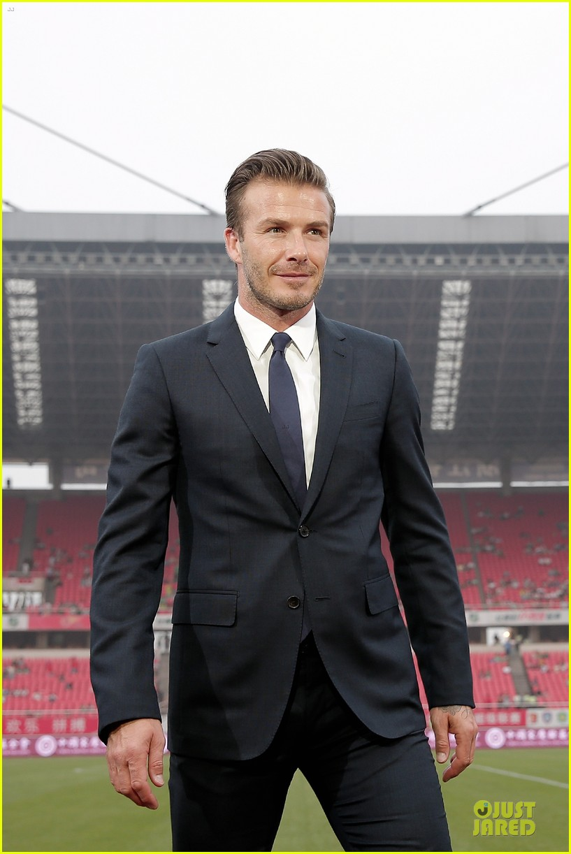 david beckham visits hangzhou greentown club victoria shops 26