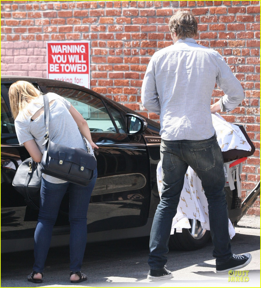 kristen bell dax shepard first fathers day sushi outing 082893029