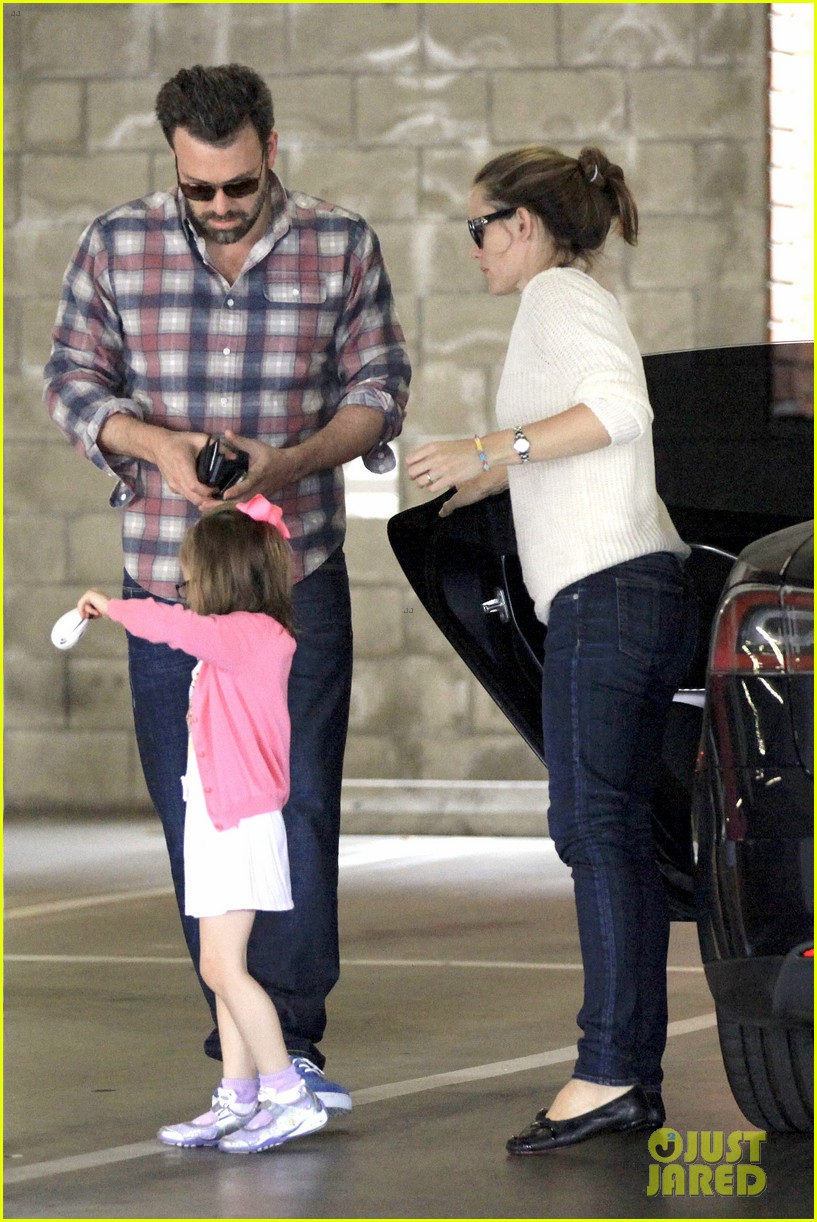 ben affleck jennifer garner sunday dinner with bens mom 09