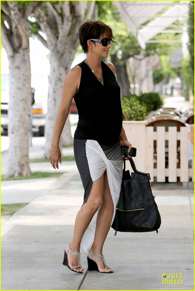 halle berry twisted legs at fig olive 01