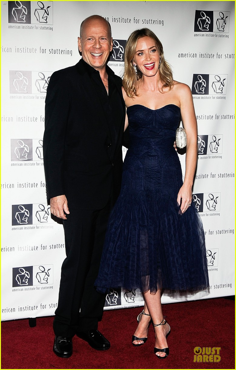 emily blunt john krasinski freeing voices changing lives benefit gala 03