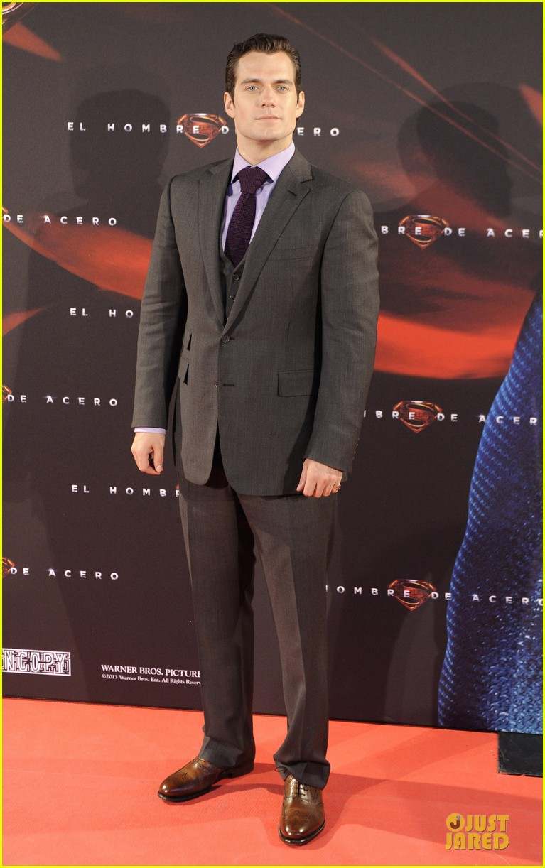 henry cavill russell crowe man of steel madrid premiere 012893054